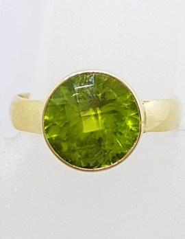 9ct Yellow Gold Round Bezel Set Peridot Ring