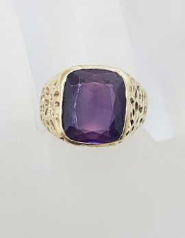 9ct Yellow Gold Large and Heavy Gents Ring - Purple Stone