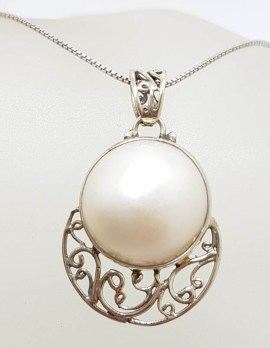Sterling Silver Round Mabe Pearl Ornate Filigree Pendant on Silver Chain
