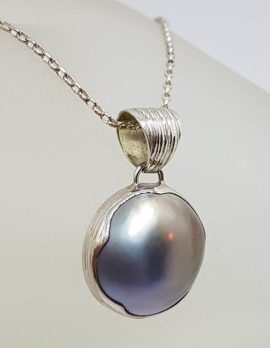 Sterling Silver Black / Blue Round Mabe Pearl Pendant on Silver Chain