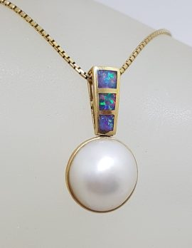 14ct Yellow Gold Opal with Round Mabe Pearl Pendant on Gold Chain