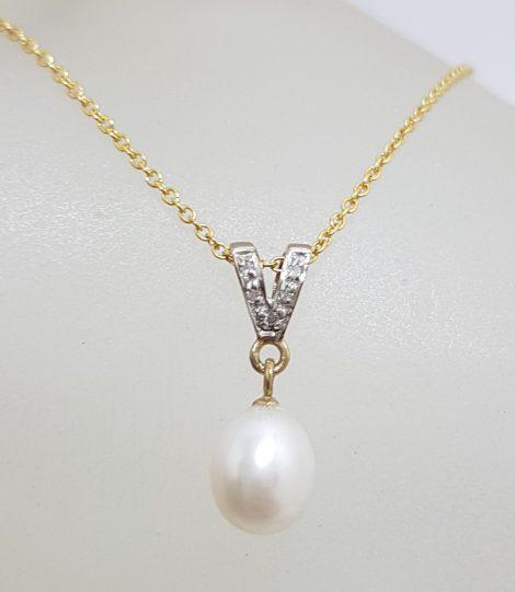 9ct Yellow Gold Diamond & Pearl Drop Pendant on Gold Chain
