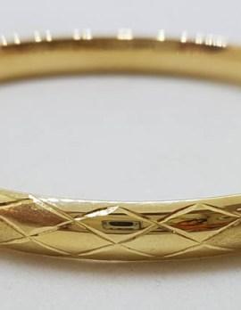 9ct Yellow Gold Diamond Pattern / Design Hinged Bangle