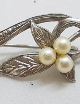 Sterling Silver Culture Pearl Ornate Leaf Design Swirl Bar Brooch - Vintage