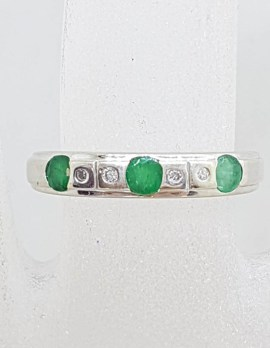 18ct White Gold Natural Emerald and Diamond Wedding Band / Eternity Ring / Stackable Ring - Antique / Vintage