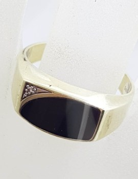 9ct Yellow Gold Onyx with Diamond Ring - Gents Ring