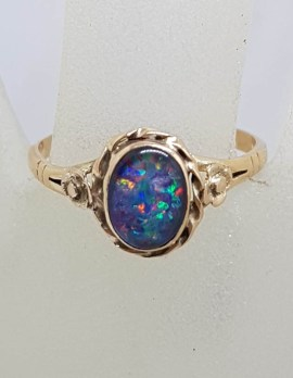9ct Yellow Gold Oval Ornate Twist Rim Design Opal Ring - Antique / Vintage