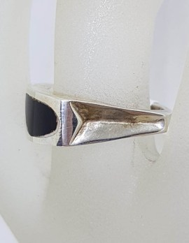 Sterling Silver Unusual Black Design Shaped Ring
