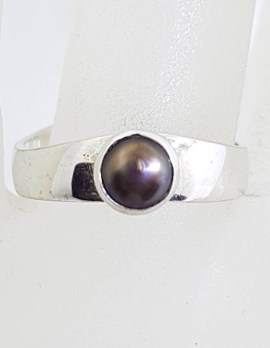 Sterling Silver Round Black Pearl in Band Ring