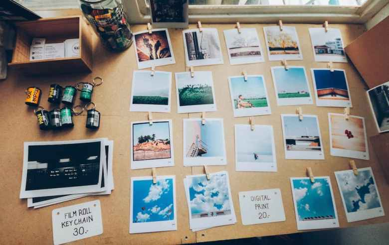 unique ideas to display photos from your travels