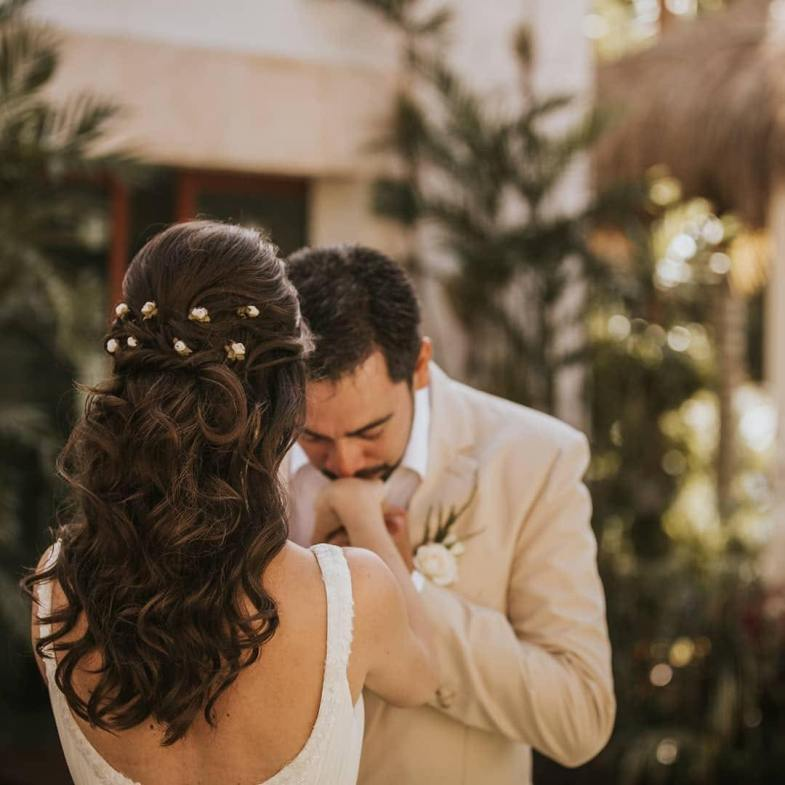 Bridal wavy hair half up Kay beach puerto morelos