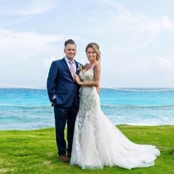 Bride Erin and Mr for their wedding in Hyatt Ziva Cancun