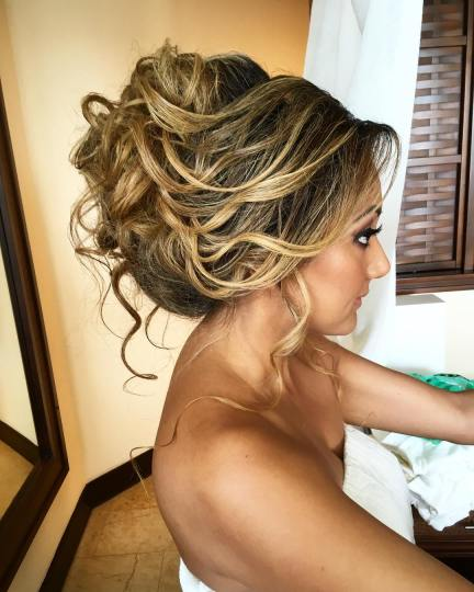 indian bride big up-do hairstyle for indian wedding event in dreams riviera cancun,puerto morelos,mexico