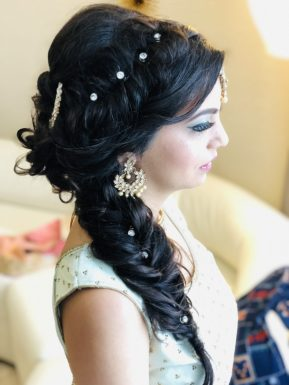 hairstyle for bride welcome party