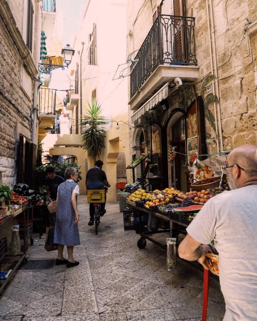 Bari food market street photography
