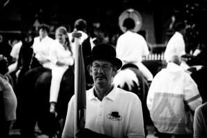 Man met bolhoed tijdens de Sint Jan's Draverij 2016.