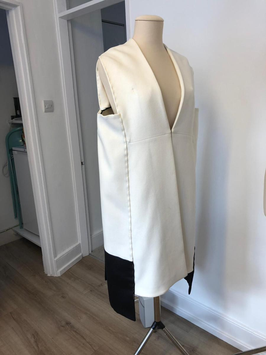 Christian Dior cape white cashmere and black satin label