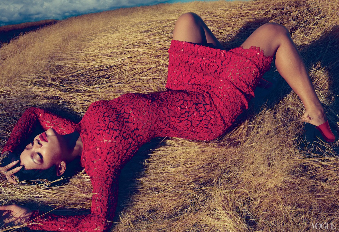 Rihanna in sparkly red body con dress