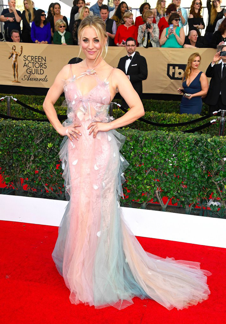 Kaley Cuoco in Marchesa