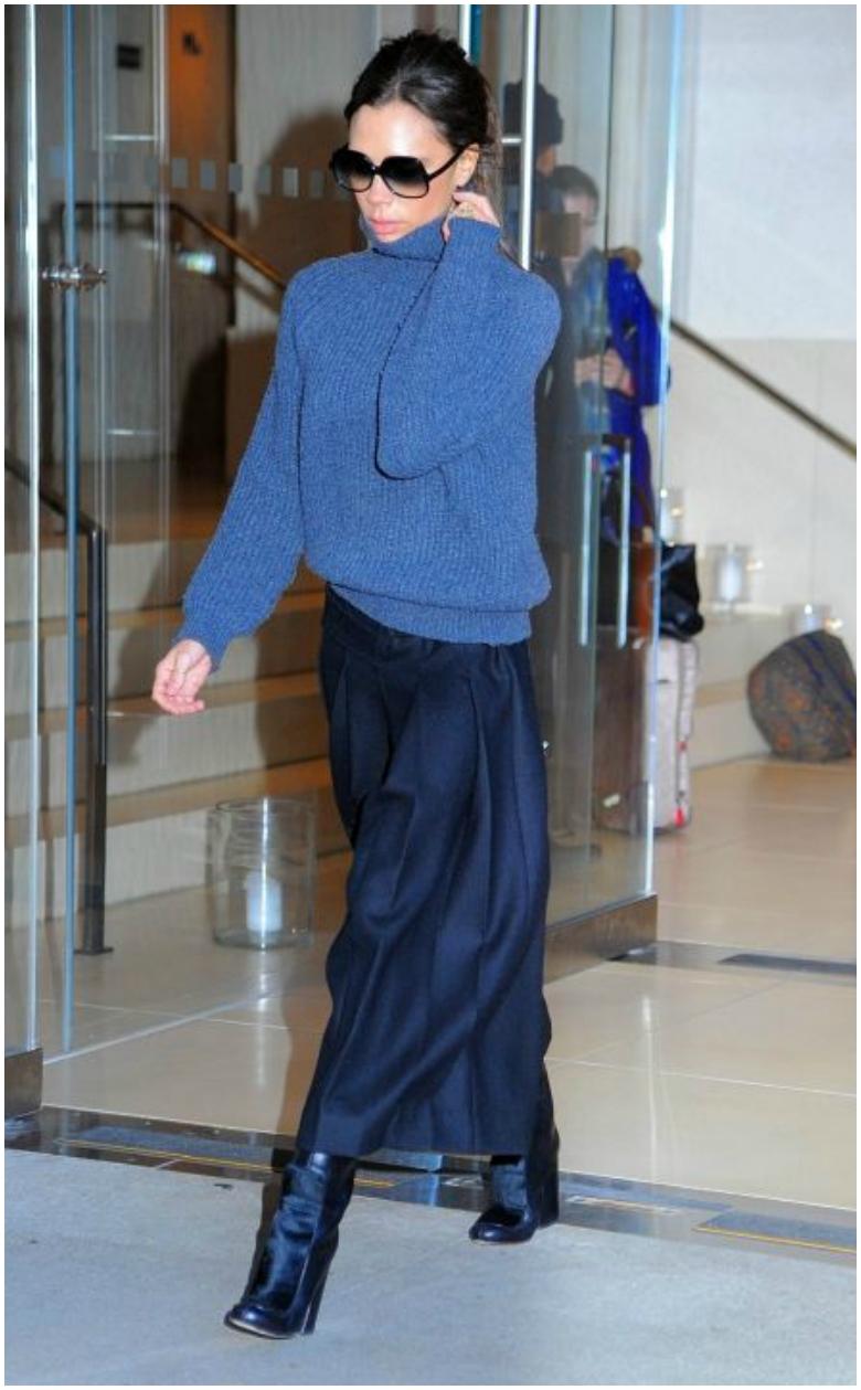 Victoria Beckham blue maxi skirt oversized blue knitted jumper