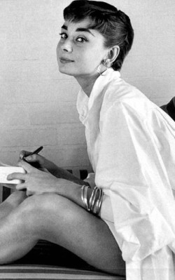Audrey Hepburn spring/ summer style white shirt-dress with bangles - shop the look