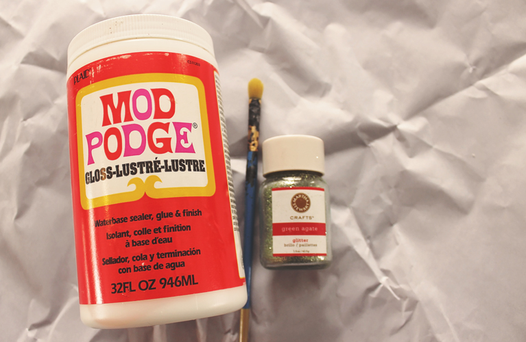 Modge Podge, Martha Stewart Glitter and a paint brush - easy peasy DIY Easter | alex inspired