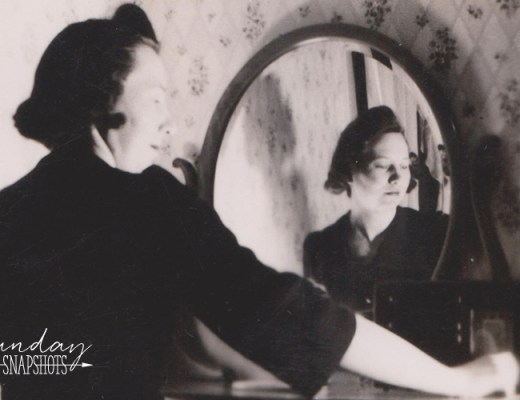 Glenna Self Portrait in the mirror, 1940s | Alex Inspired