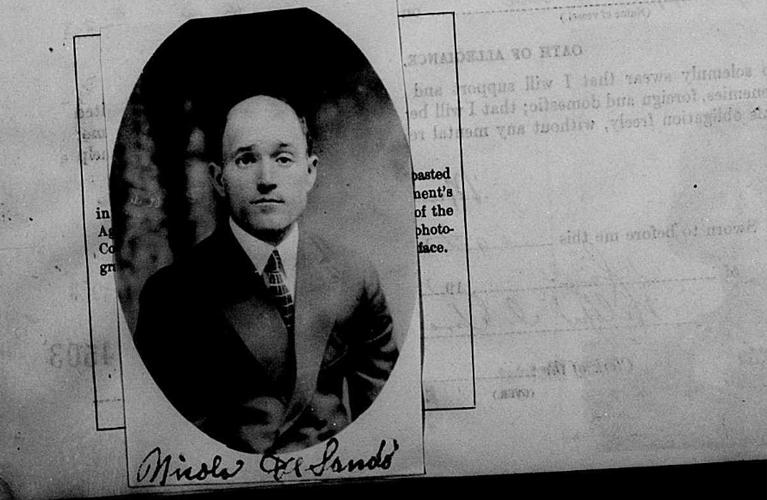 Passport Application Particulars | American Passport Application Images: Nicola Desando