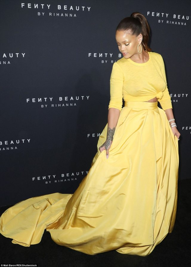 59b26c4911ad0 - Rihanna Slays in Yellow Crop Top & Sexy Skirt With Slit