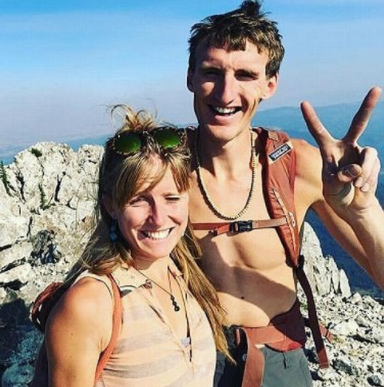 World-renowned climber watches girlfriend die in an avalanche then kills himself because he couldn