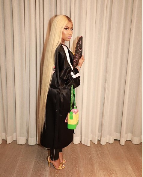 Photos: Nicki Minaj shows off her long hair and hot body in Kimono