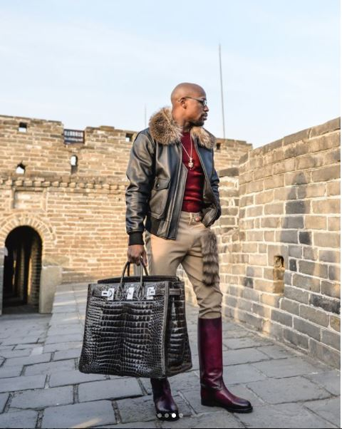 5a1d816171b51 - Floyd Mayweather Jr rakes in $3 Million just to vacation with 23 people in China (Photos)