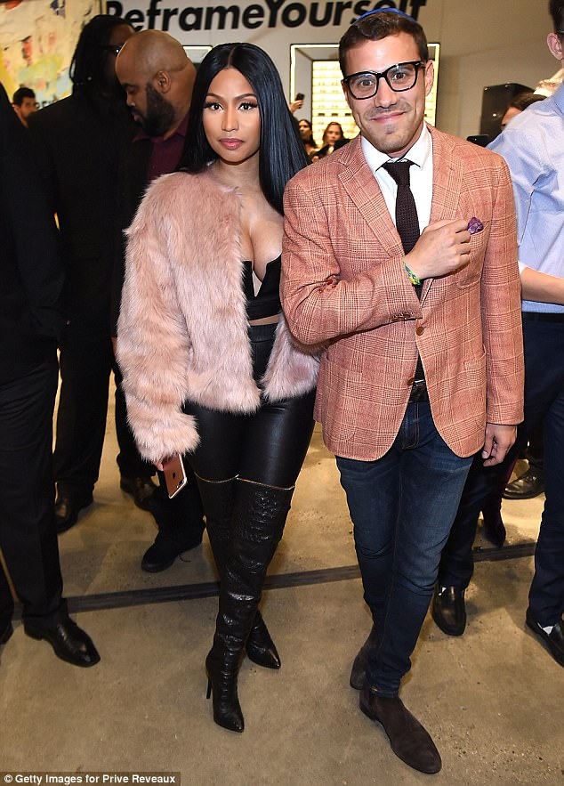 Nicki Minaj puts on an eye-popping display in leather outfit for New York event (Photos)