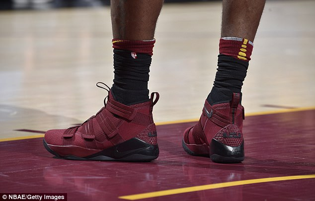 No wonder they won! LeBron James changes footwear three times to help Cleveland Cavaliers to 13th straight victory (Photos)