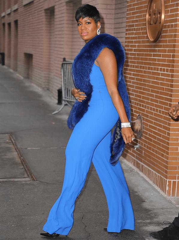 Curvy Singer Fantasia Barrino suffers minor wardrobe malfunction as she rocks stunning jumpsuit (Photos)
