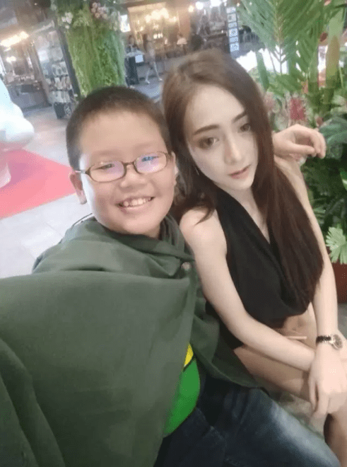 WTH? 10-year-old becomes the youngest sugar daddy and he