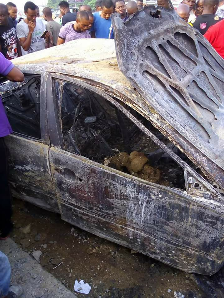 Graphic photos: Three burnt beyond recognition in an accident in Rivers state