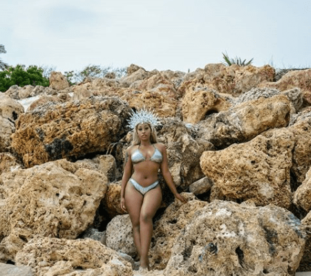 Kenyan singer, Victoria Kimani, puts her incredible Bikini bod on display (photos)