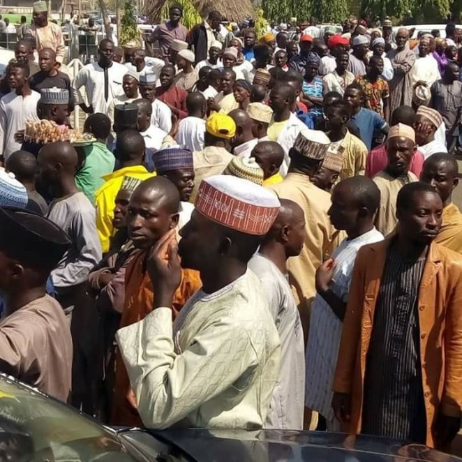 5a598f721c353 - Photos: Kaduna parents march in support of the state government's sack of 21k incompetent teachers
