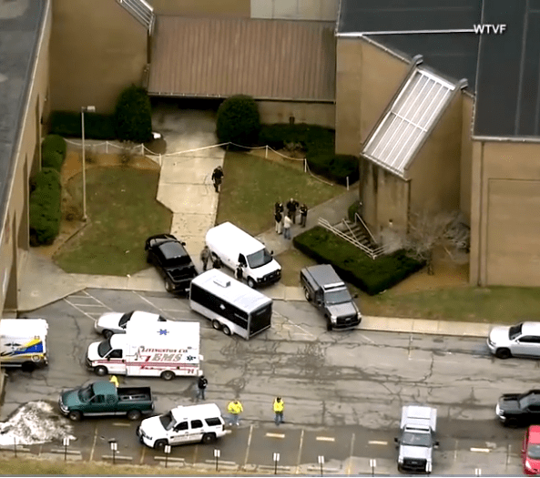 15-year-old student opened fire at Kentucky High School, killing 2 classmates and causing injury to several others