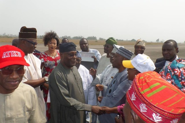 Photos: Atiku Abubakar visits Ekiti state, received at the airport by Gov. Fayose & other PDP members