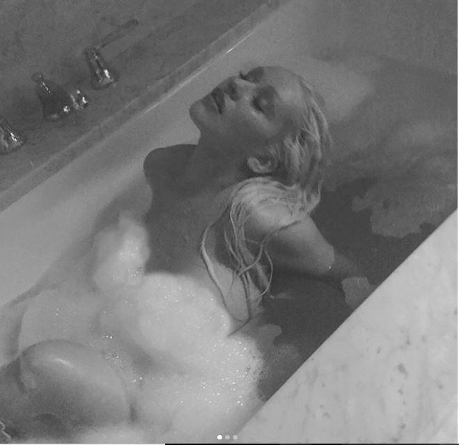 Christina Aguilera strips for her Instagram followers in racy bathtub photos?