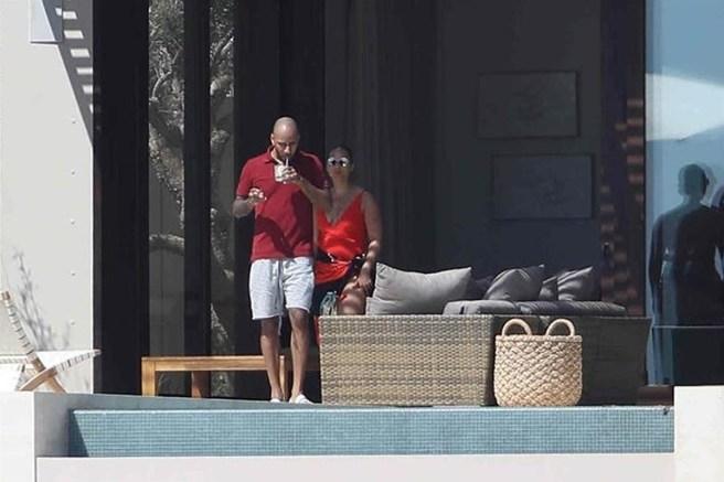 Alicia Keys and Swizz Beatz vacation in Mexico (Photos)