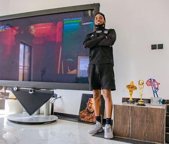 Photos: Dbanj shows off his new Ikoyi mansion
