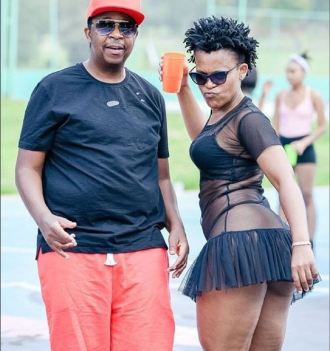 Controversial SA dancer, Zodwa Wabantu shares pantless video as she bends to clean her house