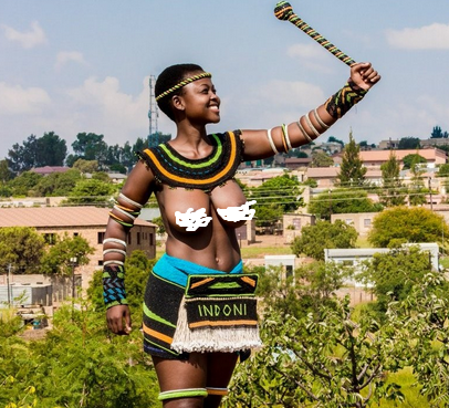 South African woman goes naked to embrace her culture with pride (photos)