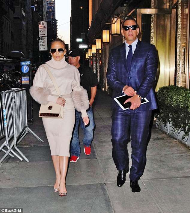 Jennifer Lopez flaunts stunning figure in body-hugging skirt and fur sweater as she leaves Tonight Show ?(Photos)
