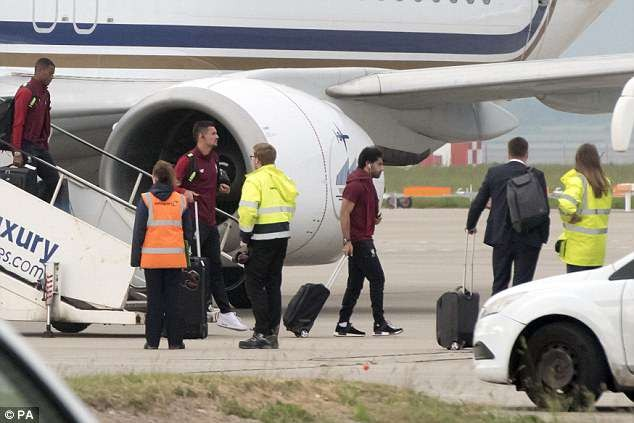 Goalkeeper Karius hides his face as Liverpool return home after heartbreaking Champions League final loss to Real Madrid (Photos)