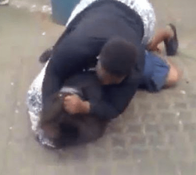 Lady arrested for attacking her rival in public in Lagos