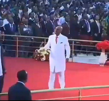 5b1f7037192ef - Bishop Oyedepo rejoices in church after member who had been declared dead for over a day was resurrected in the mortuary after prayers from his church (video)
